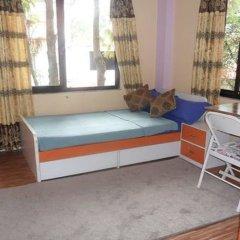 Отель Nepal Inn Bed & Breakfast Непал, Лалитпур - отзывы, цены и фото номеров - забронировать отель Nepal Inn Bed & Breakfast онлайн комната для гостей фото 5
