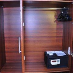 Отель Nova Plaza Crystal сейф в номере