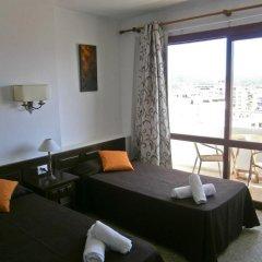 Отель Apartamentos Mestret Испания, Сан-Антони-де-Портмань - отзывы, цены и фото номеров - забронировать отель Apartamentos Mestret онлайн комната для гостей фото 3