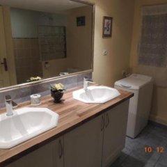 Отель La Jarillais Франция, Сомюр - отзывы, цены и фото номеров - забронировать отель La Jarillais онлайн ванная