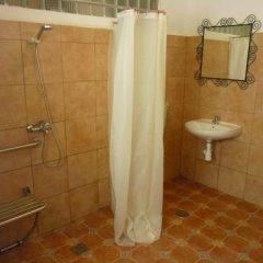 Отель Apartamentos Casa Rosaleda Испания, Херес-де-ла-Фронтера - отзывы, цены и фото номеров - забронировать отель Apartamentos Casa Rosaleda онлайн ванная фото 2