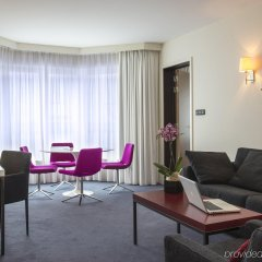 Отель Radisson Red Brussels Брюссель комната для гостей
