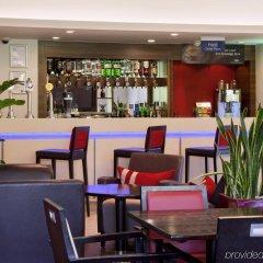 Отель Holiday Inn Express London - Dartford гостиничный бар