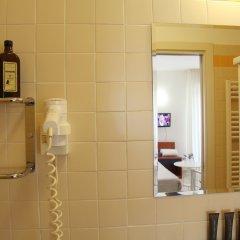 Отель Residence Mimosa Римини бассейн