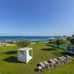 Отель Mike & Lenos Tsoukkas Seafront Villas Кипр, Протарас - отзывы, цены и фото номеров - забронировать отель Mike & Lenos Tsoukkas Seafront Villas онлайн пляж фото 2