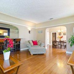 Отель LA157 2 Bedroom Apartment By Senstay США, Лос-Анджелес - отзывы, цены и фото номеров - забронировать отель LA157 2 Bedroom Apartment By Senstay онлайн комната для гостей фото 4