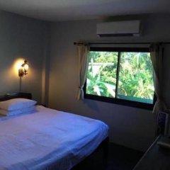 Отель Sunrise Guesthouse Таиланд, Бухта Чалонг - отзывы, цены и фото номеров - забронировать отель Sunrise Guesthouse онлайн комната для гостей фото 2