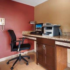 Отель Best Western Maple Ridge Hotel Канада, Мэйпл-Ридж - отзывы, цены и фото номеров - забронировать отель Best Western Maple Ridge Hotel онлайн интерьер отеля