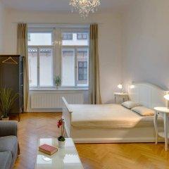 Отель Charles Bridge Premium Apartments Чехия, Прага - отзывы, цены и фото номеров - забронировать отель Charles Bridge Premium Apartments онлайн комната для гостей фото 5