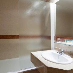 Отель Senator Castellana Испания, Мадрид - 3 отзыва об отеле, цены и фото номеров - забронировать отель Senator Castellana онлайн ванная
