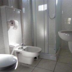Отель Residence Maryel Италия, Римини - отзывы, цены и фото номеров - забронировать отель Residence Maryel онлайн ванная фото 2
