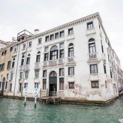 Отель Palazzo Giovanelli e Gran Canal Италия, Венеция - отзывы, цены и фото номеров - забронировать отель Palazzo Giovanelli e Gran Canal онлайн приотельная территория