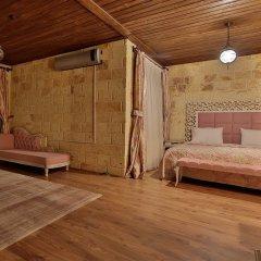 Elevres Stone House Hotel сейф в номере