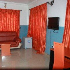 Отель L & L Executive Hotels and Suites удобства в номере