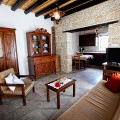 Отель Leonidas Village Houses комната для гостей фото 2