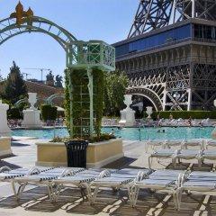 Отель Paris Las Vegas бассейн