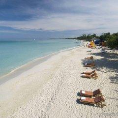 Отель Grand Pineapple Beach Negril All Inclusive пляж