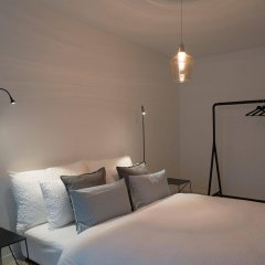 Отель Paradeplatz Apartment by Airhome Швейцария, Цюрих - отзывы, цены и фото номеров - забронировать отель Paradeplatz Apartment by Airhome онлайн комната для гостей фото 4