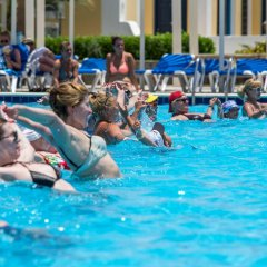 Отель Mirage Bay Resort and Aqua Park бассейн