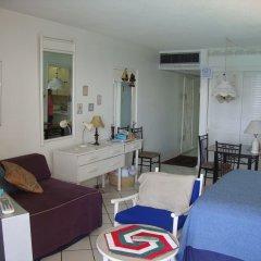 Отель Ocean Suite Beach Front at Mobay Club комната для гостей фото 5