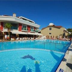 Pasabey Hotel бассейн