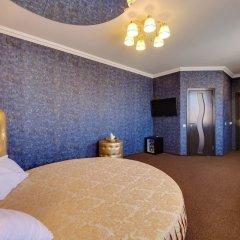 Гостиница Мартон Стачки комната для гостей фото 11