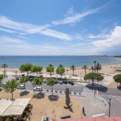 Отель La Carabela Испания, Курорт Росес - отзывы, цены и фото номеров - забронировать отель La Carabela онлайн пляж фото 2