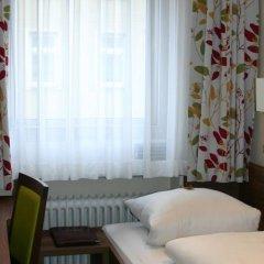 Отель Hauser An Der Universitaet Мюнхен удобства в номере фото 2