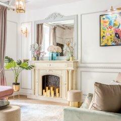 Отель Luxury 4 Bedroom 3 Bathroom Louvre - AC Париж интерьер отеля фото 3