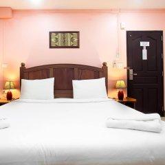 Отель Baan Sutra Guesthouse Пхукет комната для гостей фото 2