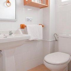 Отель Hostal Cas Bombu ванная