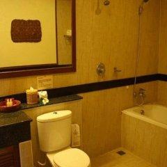 Отель Thai Ayodhya Villas & Spa Hotel Таиланд, Самуи - 1 отзыв об отеле, цены и фото номеров - забронировать отель Thai Ayodhya Villas & Spa Hotel онлайн ванная фото 2