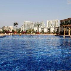 Отель Grand Metropark Bay Hotel Sanya Китай, Санья - отзывы, цены и фото номеров - забронировать отель Grand Metropark Bay Hotel Sanya онлайн бассейн фото 2