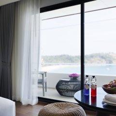 Отель The Nai Harn Phuket Пхукет в номере