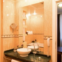 Отель Arena di Serdica Болгария, София - 1 отзыв об отеле, цены и фото номеров - забронировать отель Arena di Serdica онлайн ванная