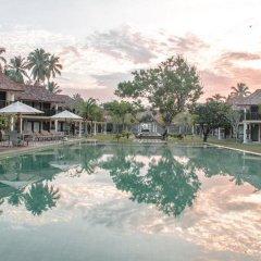 Отель The Villas Wadduwa бассейн