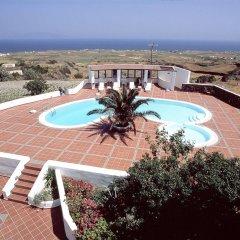 Отель Anemomilos Hotel Греция, Остров Санторини - отзывы, цены и фото номеров - забронировать отель Anemomilos Hotel онлайн бассейн фото 3