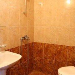 Отель Dinko Motel Болгария, Сандански - отзывы, цены и фото номеров - забронировать отель Dinko Motel онлайн ванная фото 2