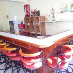 Отель Chalong Hip Host and J.J. Bar гостиничный бар