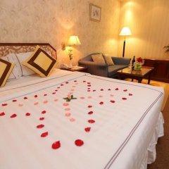 Lotus SaiGon Hotel сейф в номере