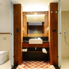 Отель Cinnamon Bey Шри-Ланка, Берувела - 1 отзыв об отеле, цены и фото номеров - забронировать отель Cinnamon Bey онлайн ванная