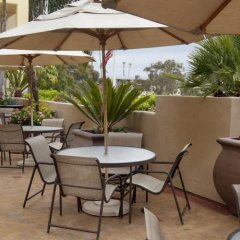 Отель Sommerset Suites гостиничный бар