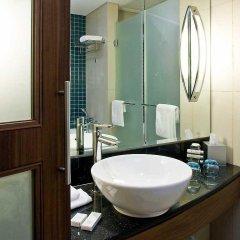 Отель Novotel Dubai Deira City Centre ванная фото 2