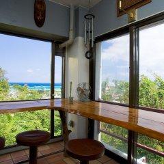 Отель Surfside Bed & Breakfast Центр Окинавы балкон