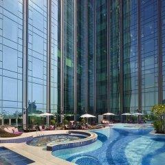 Отель The Reverie Saigon Вьетнам, Хошимин - отзывы, цены и фото номеров - забронировать отель The Reverie Saigon онлайн бассейн