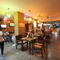 18 Coins Cafe & Hostel гостиничный бар