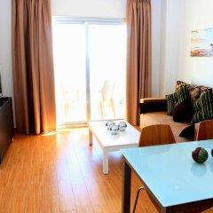 Отель Apartamentos Vegasol Playa A.T. Испания, Фуэнхирола - отзывы, цены и фото номеров - забронировать отель Apartamentos Vegasol Playa A.T. онлайн комната для гостей фото 5
