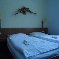 Hotel Apollon Литомержице сейф в номере