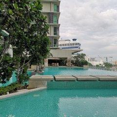 Отель Pearl Suites Swiss Garden Residences Малайзия, Куала-Лумпур - отзывы, цены и фото номеров - забронировать отель Pearl Suites Swiss Garden Residences онлайн бассейн