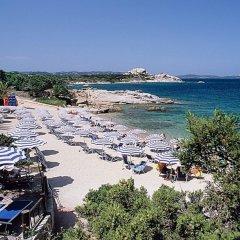 Отель Grand Hotel Smeraldo Beach Италия, Байя-Сардиния - 1 отзыв об отеле, цены и фото номеров - забронировать отель Grand Hotel Smeraldo Beach онлайн пляж